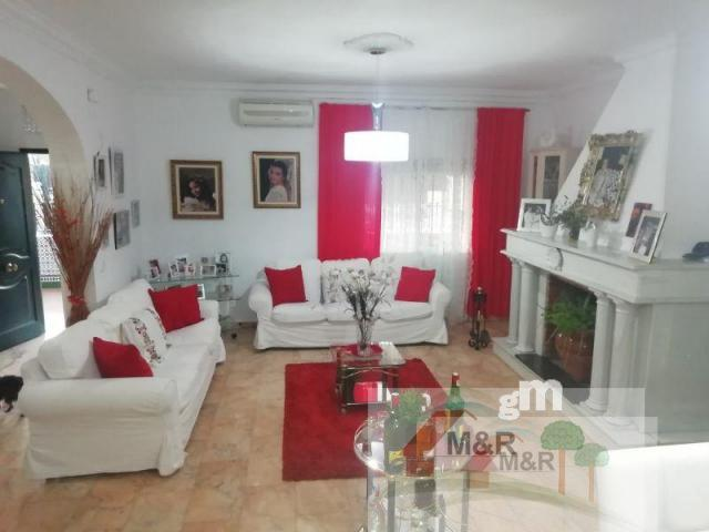 For sale of house in Umbrete