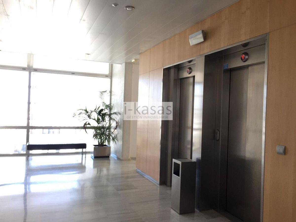 For sale of office in Jerez de la Frontera