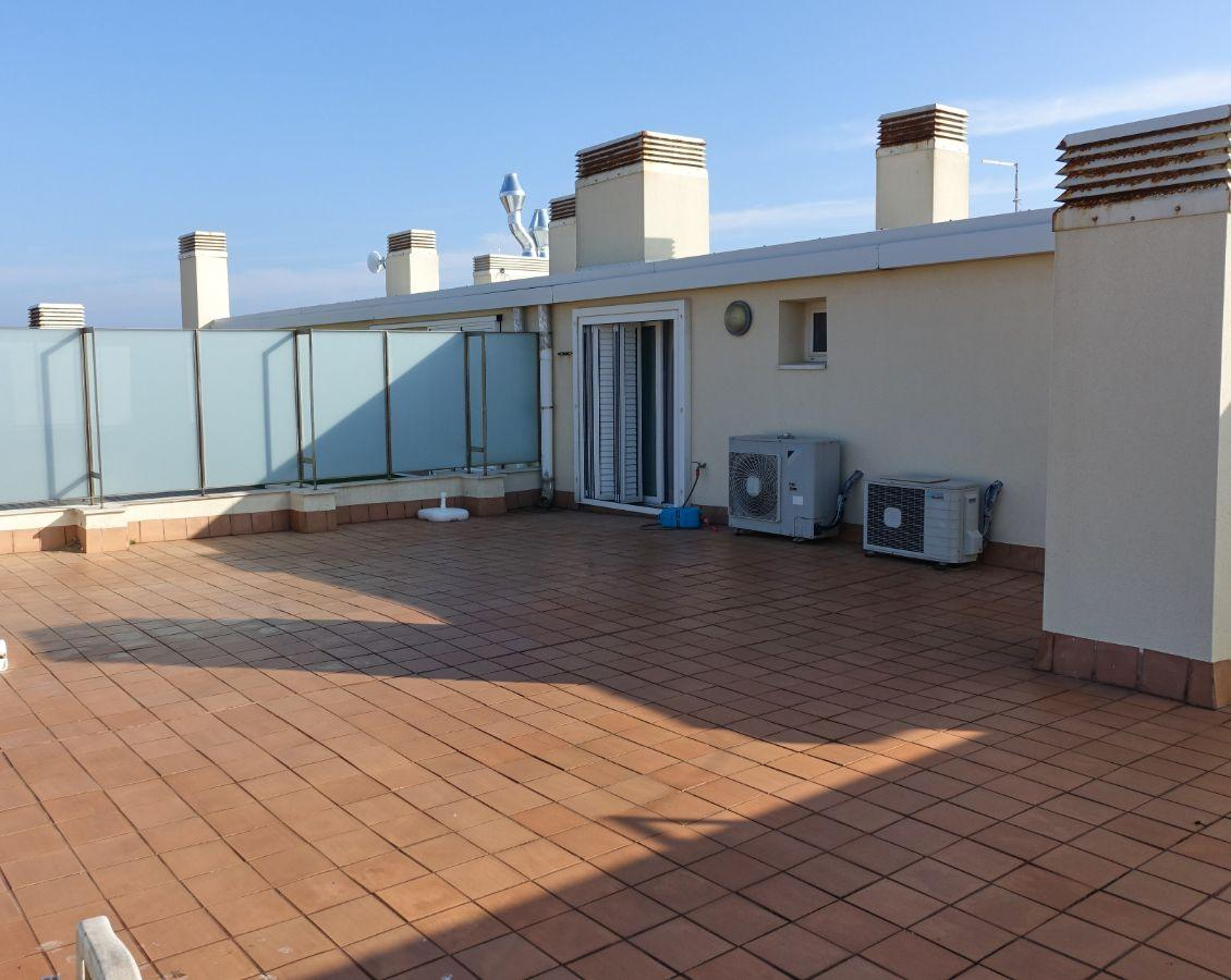 For sale of flat in L´Escala