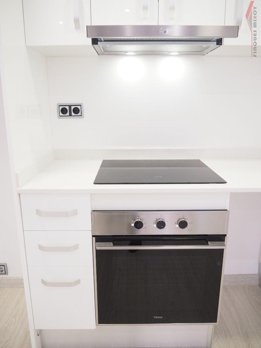 For sale of ground floor in Barcelona