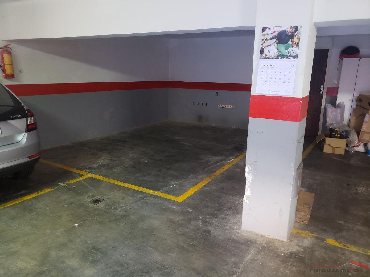 For rent of garage in Barcelona