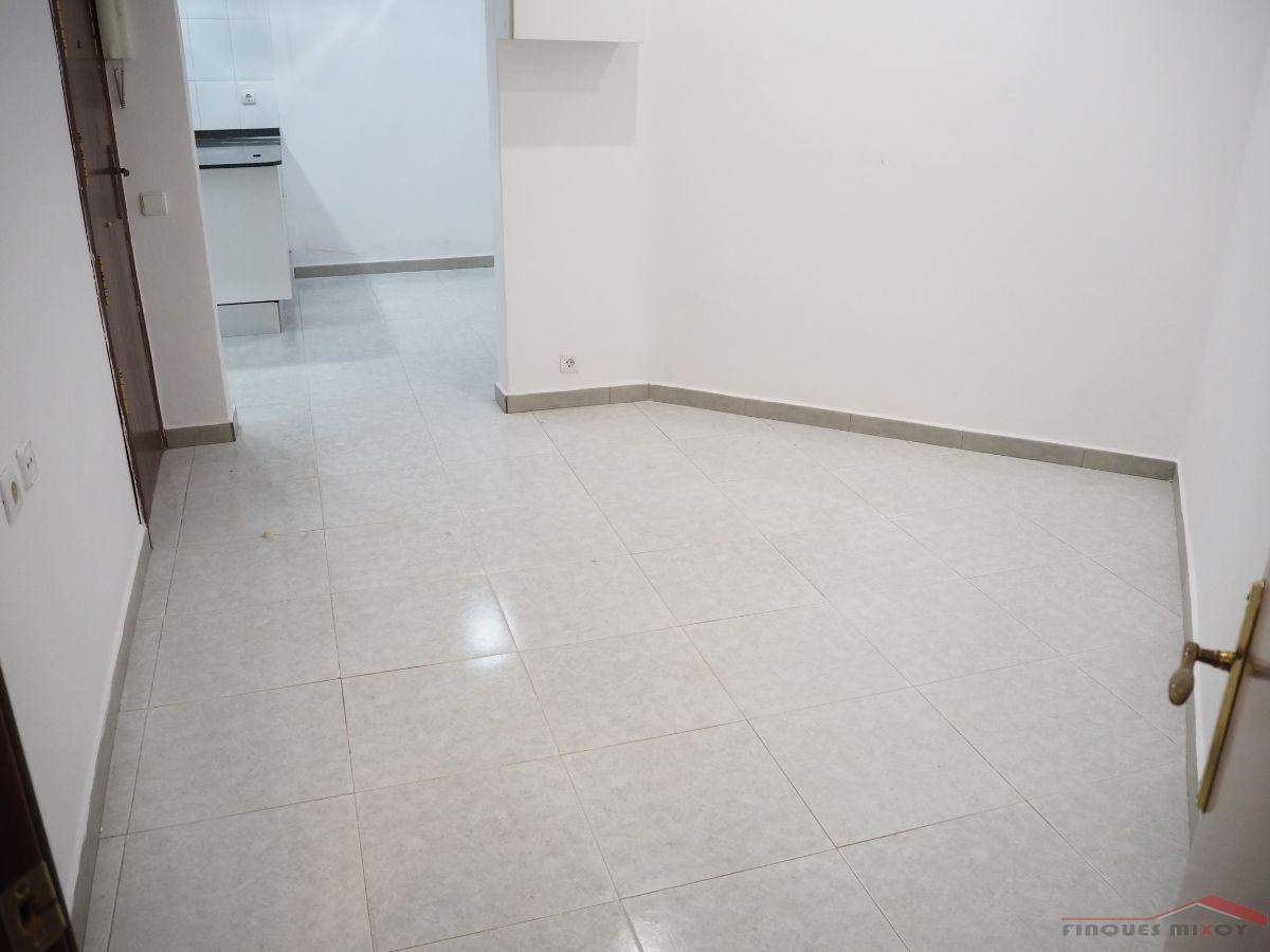 For sale of study in Barcelona