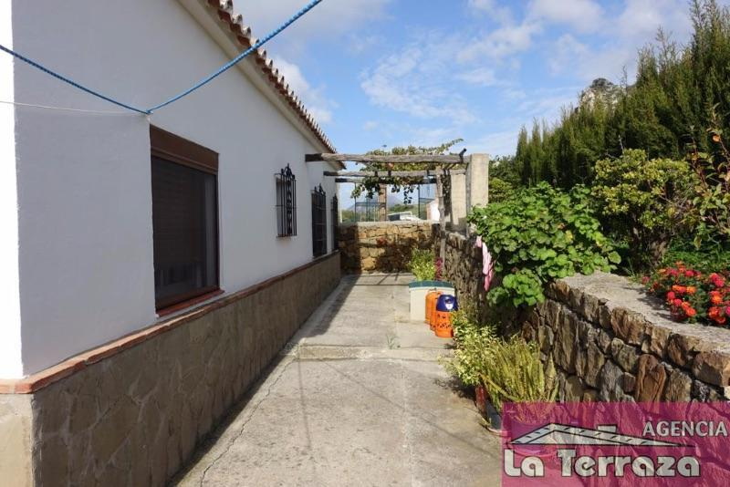 For sale of chalet in Casares