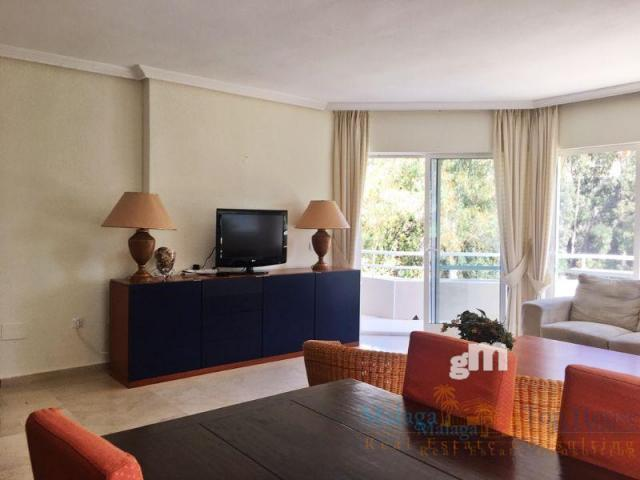 For sale of apartment in Benalmádena Costa