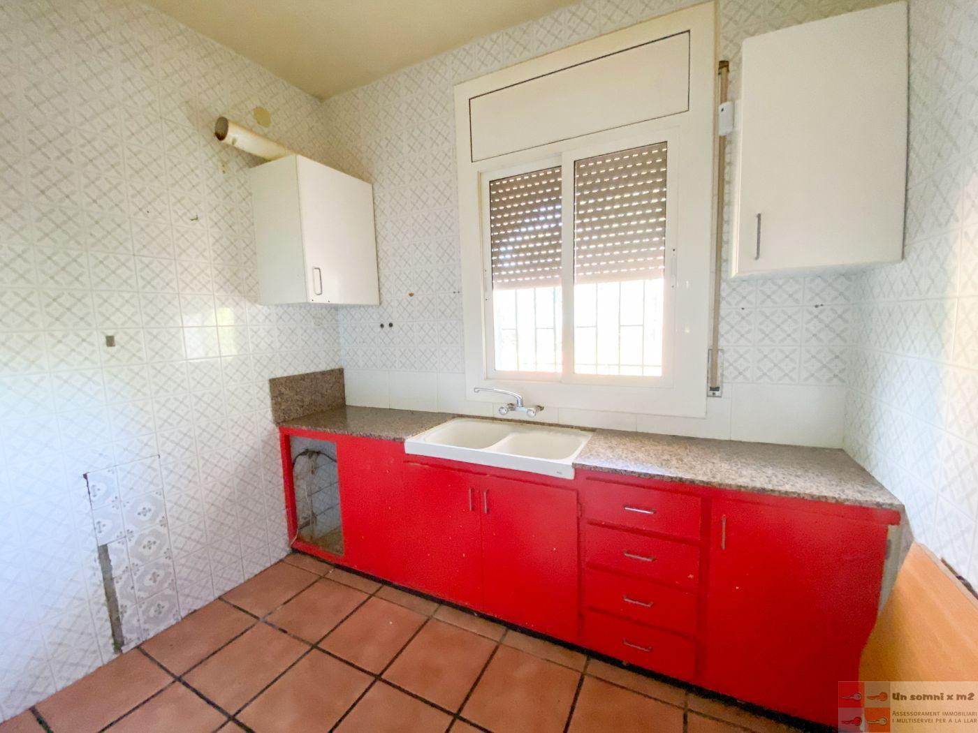 For sale of house in La Torre de Claramunt
