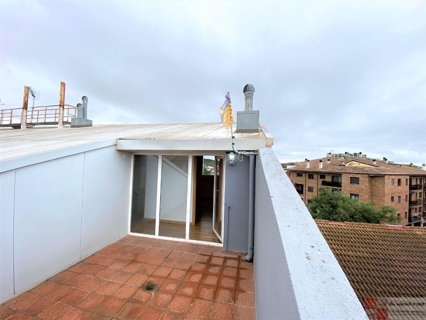 For sale of duplex in Piera