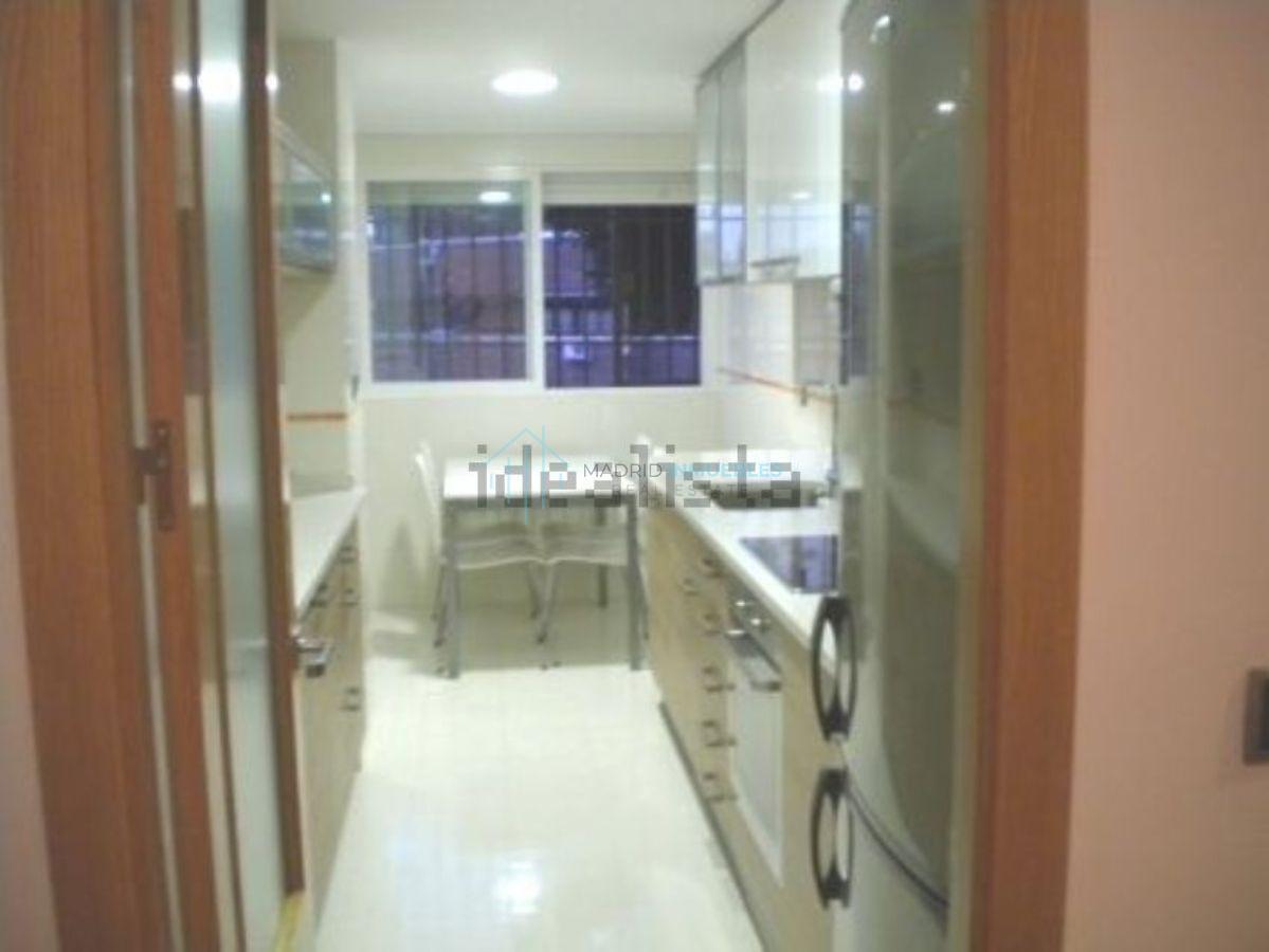 For sale of flat in Pozuelo de Alarcón
