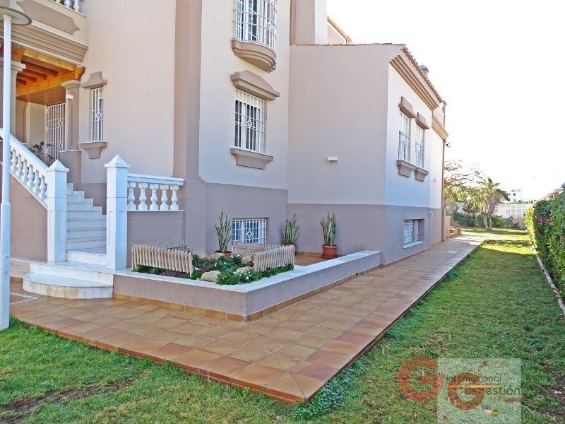 For sale of villa in Roquetas de Mar