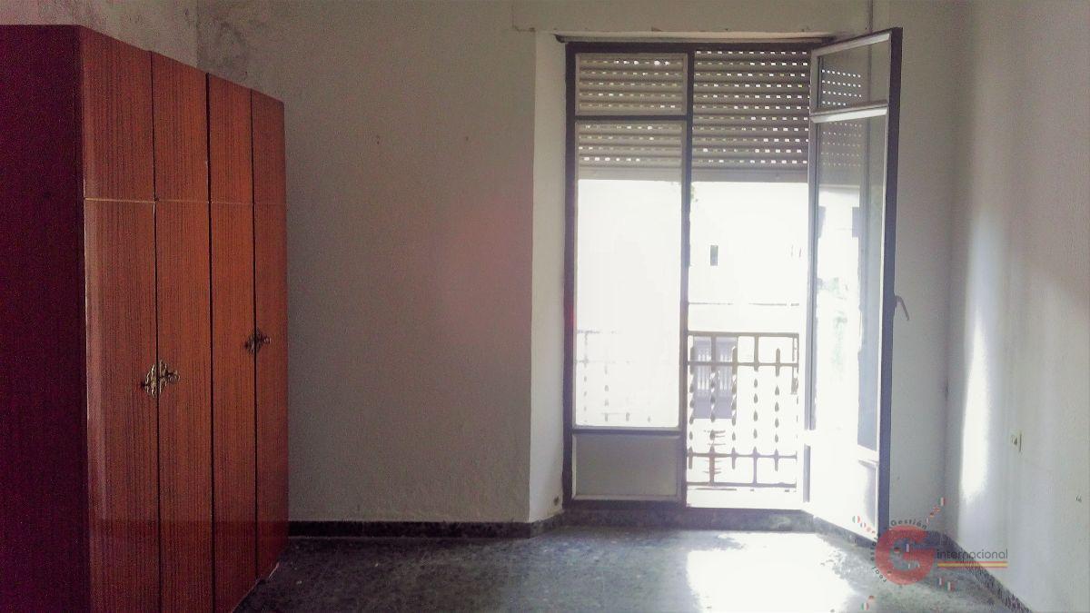 For sale of flat in Vélez de Benaudalla