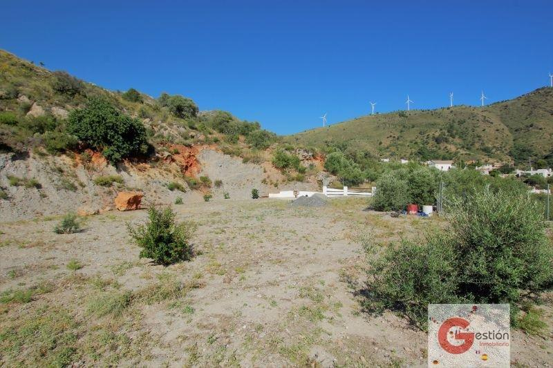 For sale of land in Vélez de Benaudalla