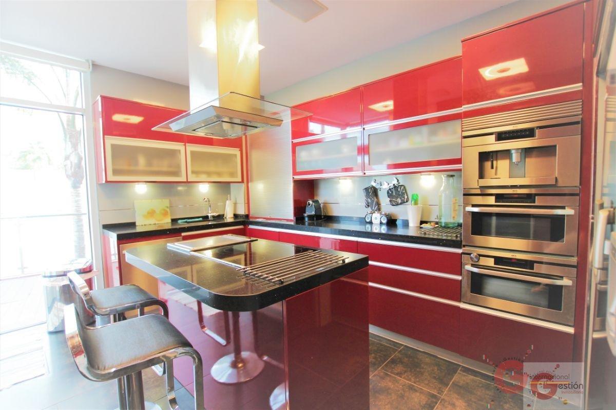 For sale of villa in Motril