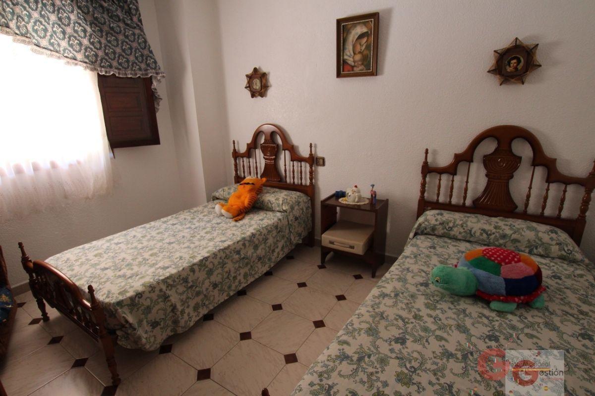 For sale of house in Salobreña