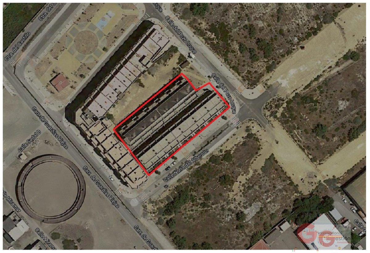 For sale of building in El Ejido