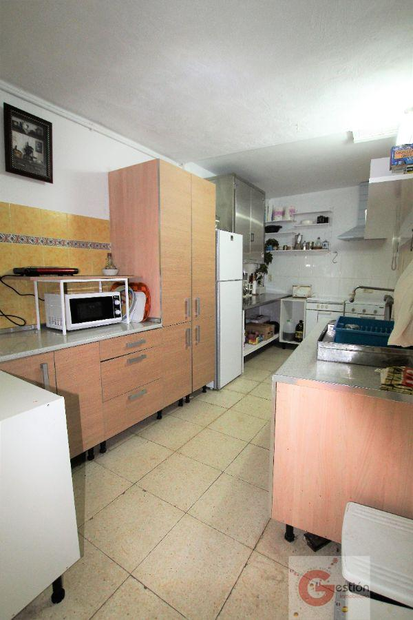 For sale of house in Lanjarón