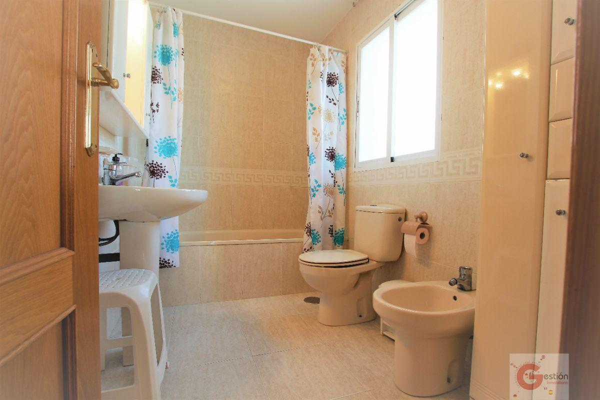 For sale of chalet in Calahonda