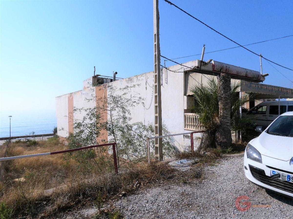Venta de edificio en Polopos