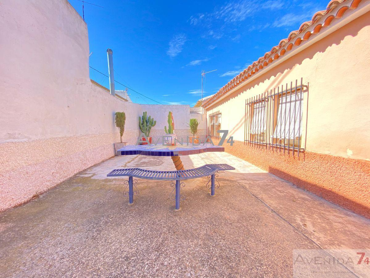 For sale of chalet in Totana