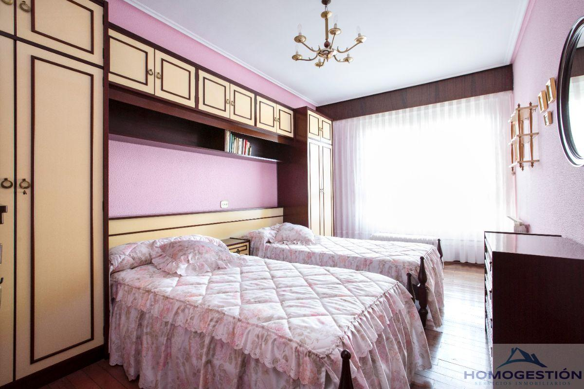 For sale of flat in Portugalete