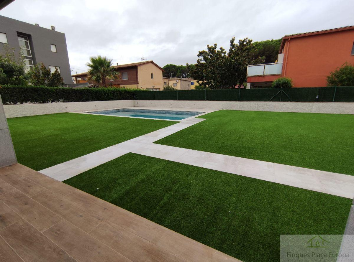 For sale of house in Llagostera