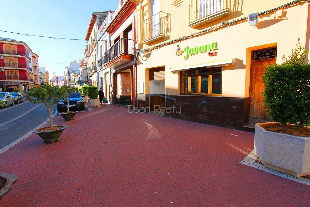 For sale of commercial in El Verger