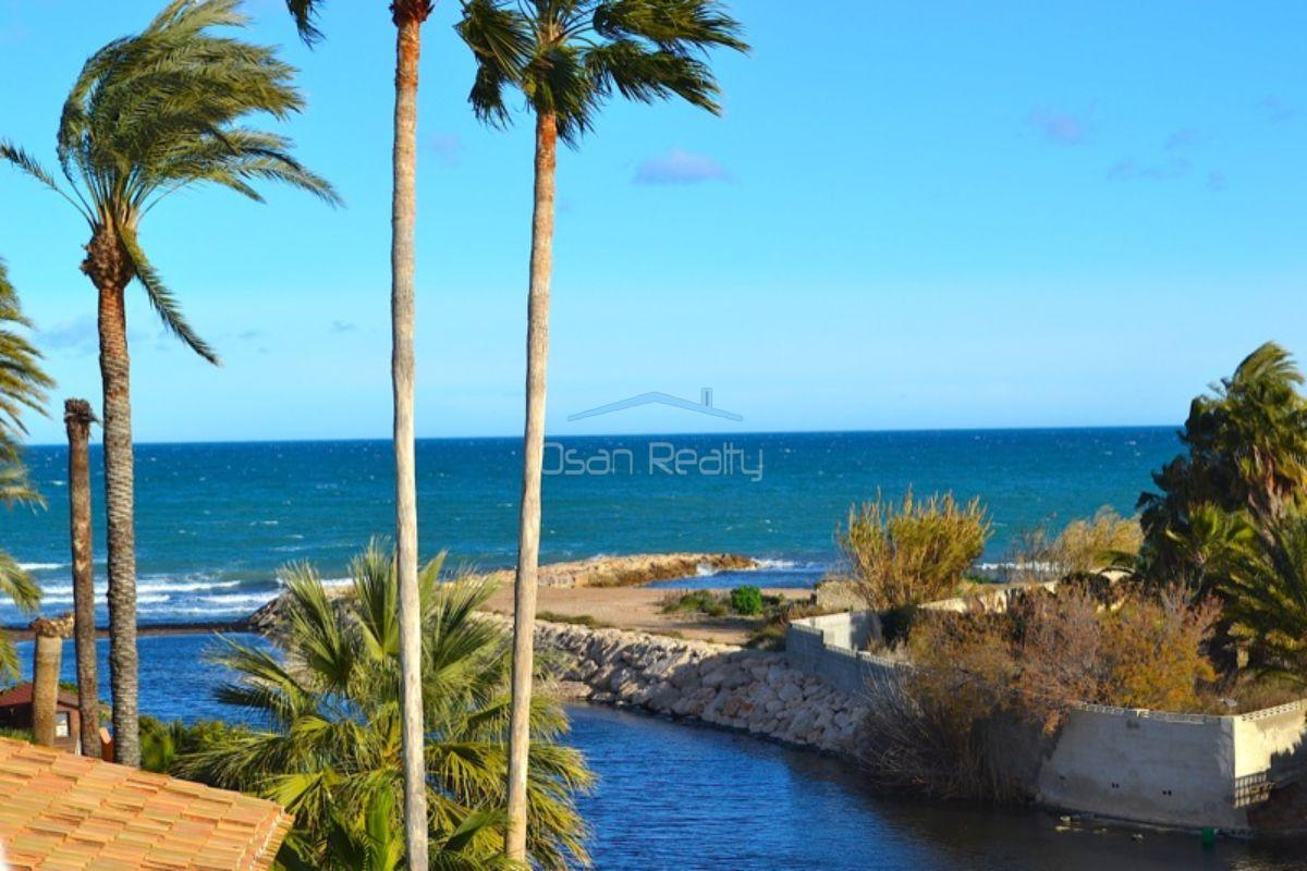 For sale of chalet in Dénia