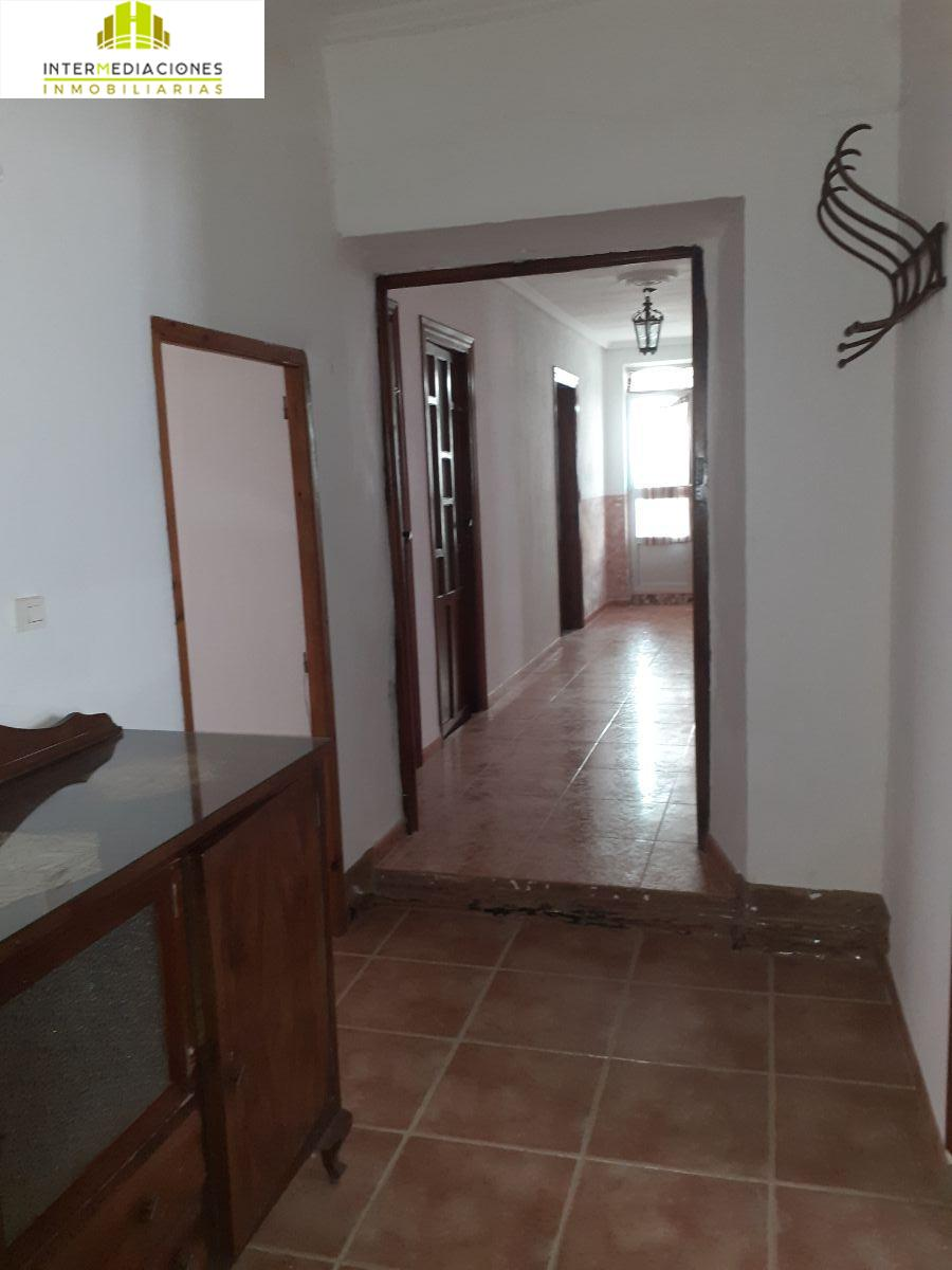 For rent of house in Montalvos