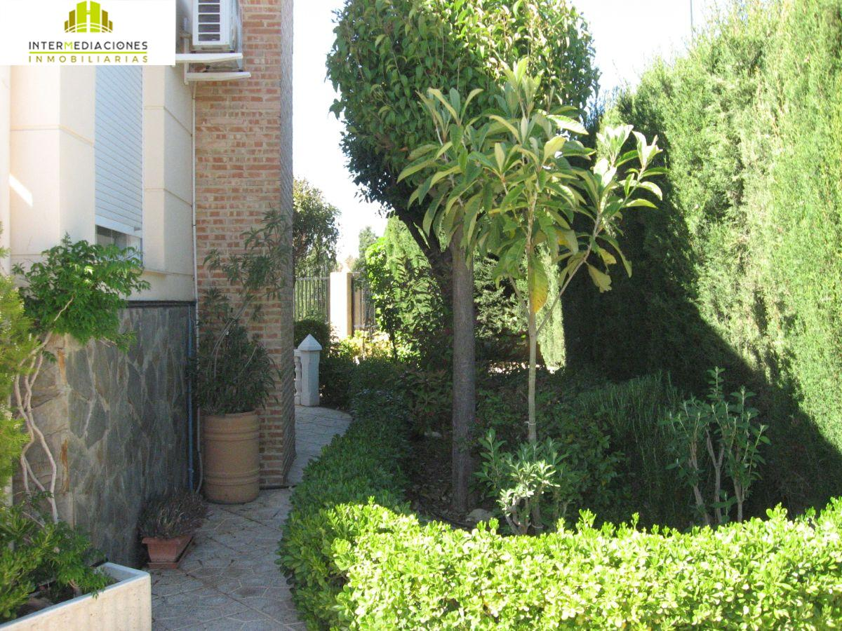 For sale of chalet in La Gineta