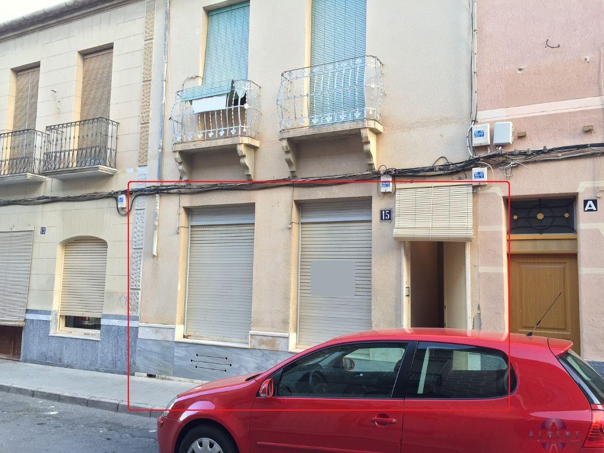 For sale of house in Novelda