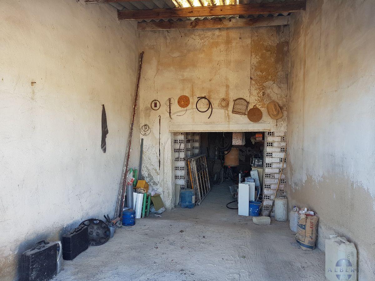 For sale of garage in Monóvar-Monòver
