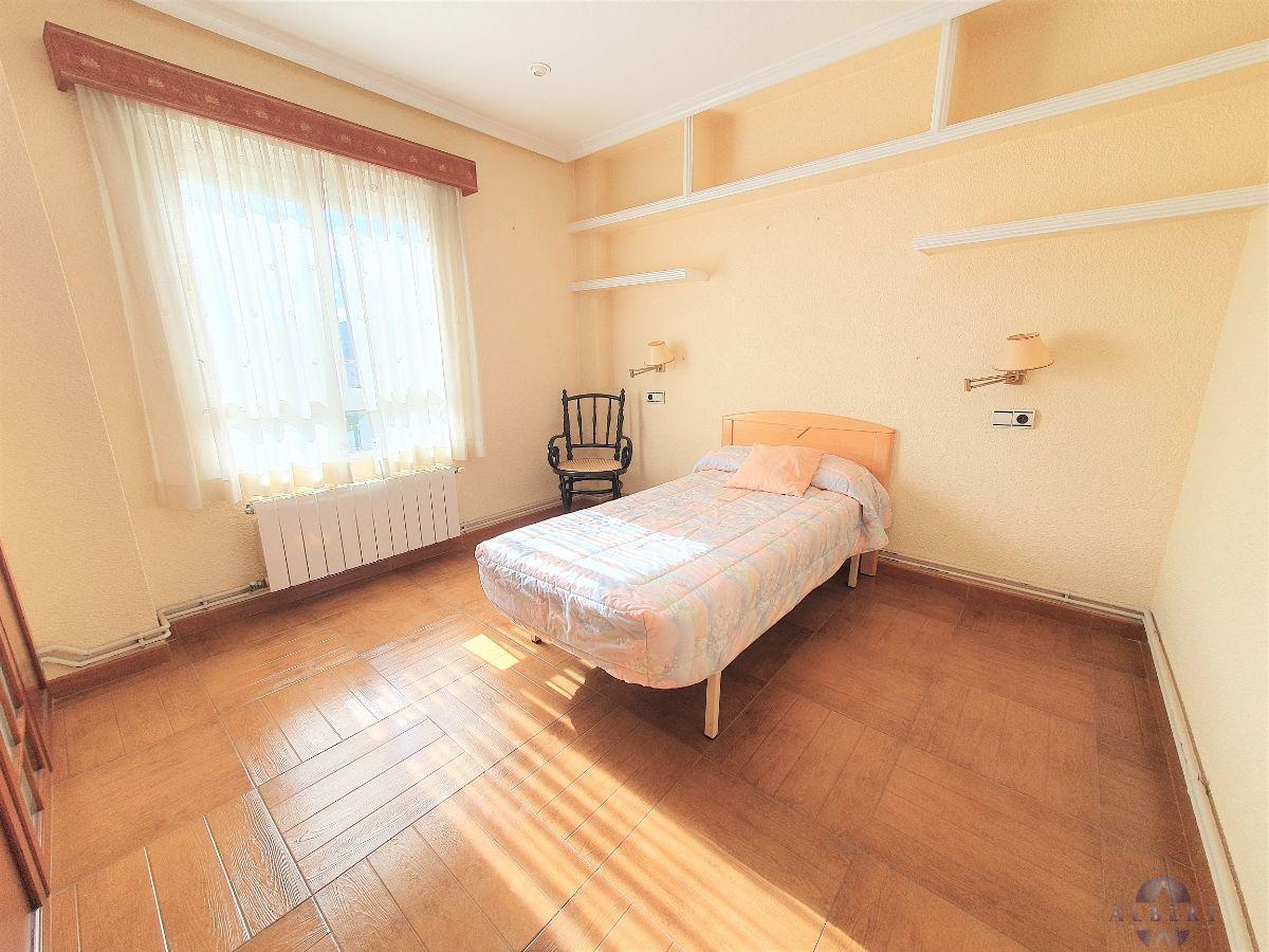 For sale of penthouse in Monóvar-Monòver