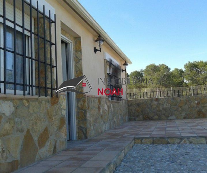 For sale of rural property in Mula