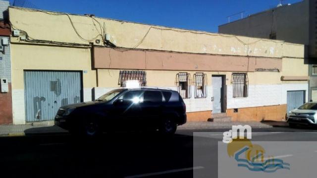 Venta de casa en Melilla