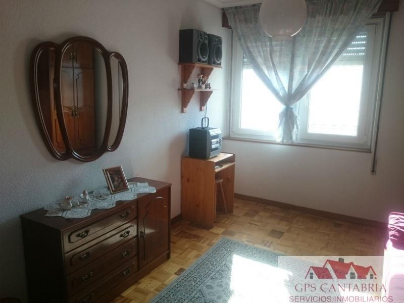 For sale of flat in Penilla La de Cayon