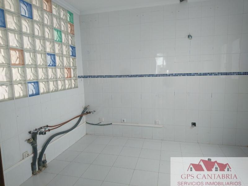 For sale of flat in Ampuero