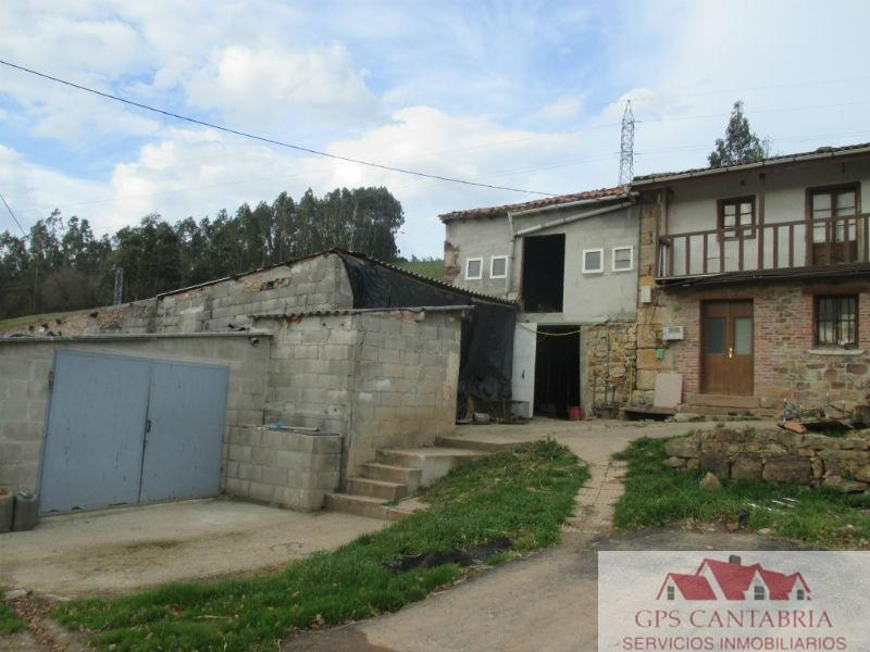 For sale of house in Piélagos