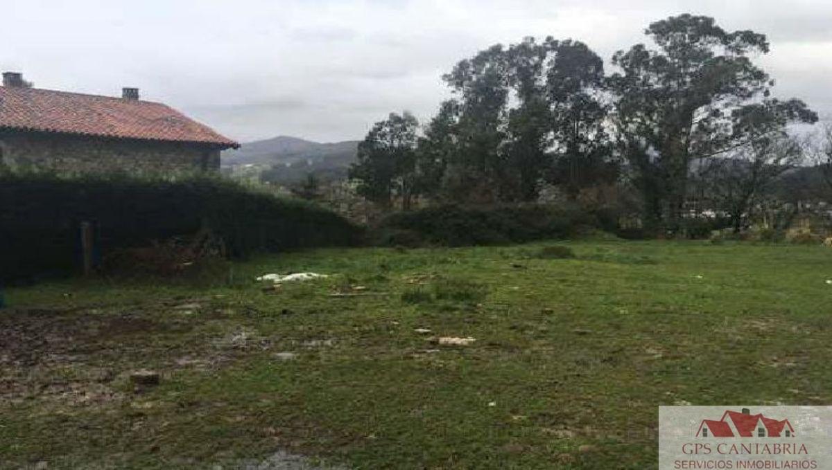 For sale of land in San Felices de Buelna
