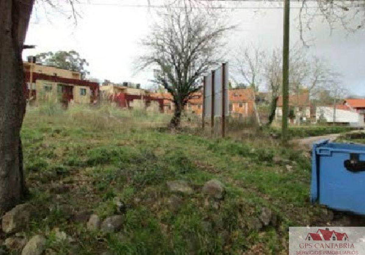 For sale of land in Piélagos