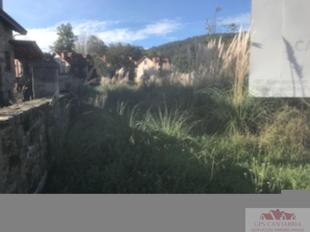 For sale of land in Castañeda