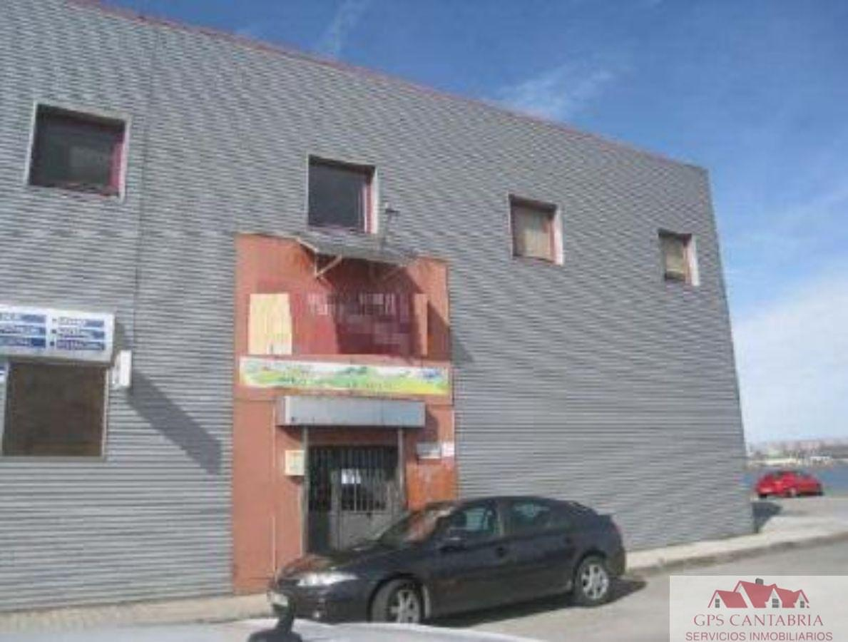 For rent of industrial plant/warehouse in Maliaño