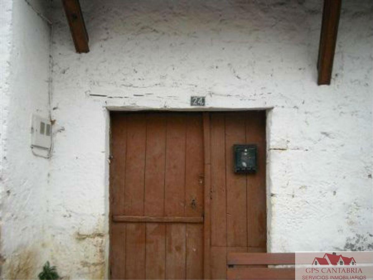For sale of house in Ampuero