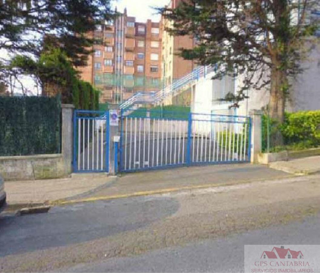 For sale of garage in Castro-Urdiales