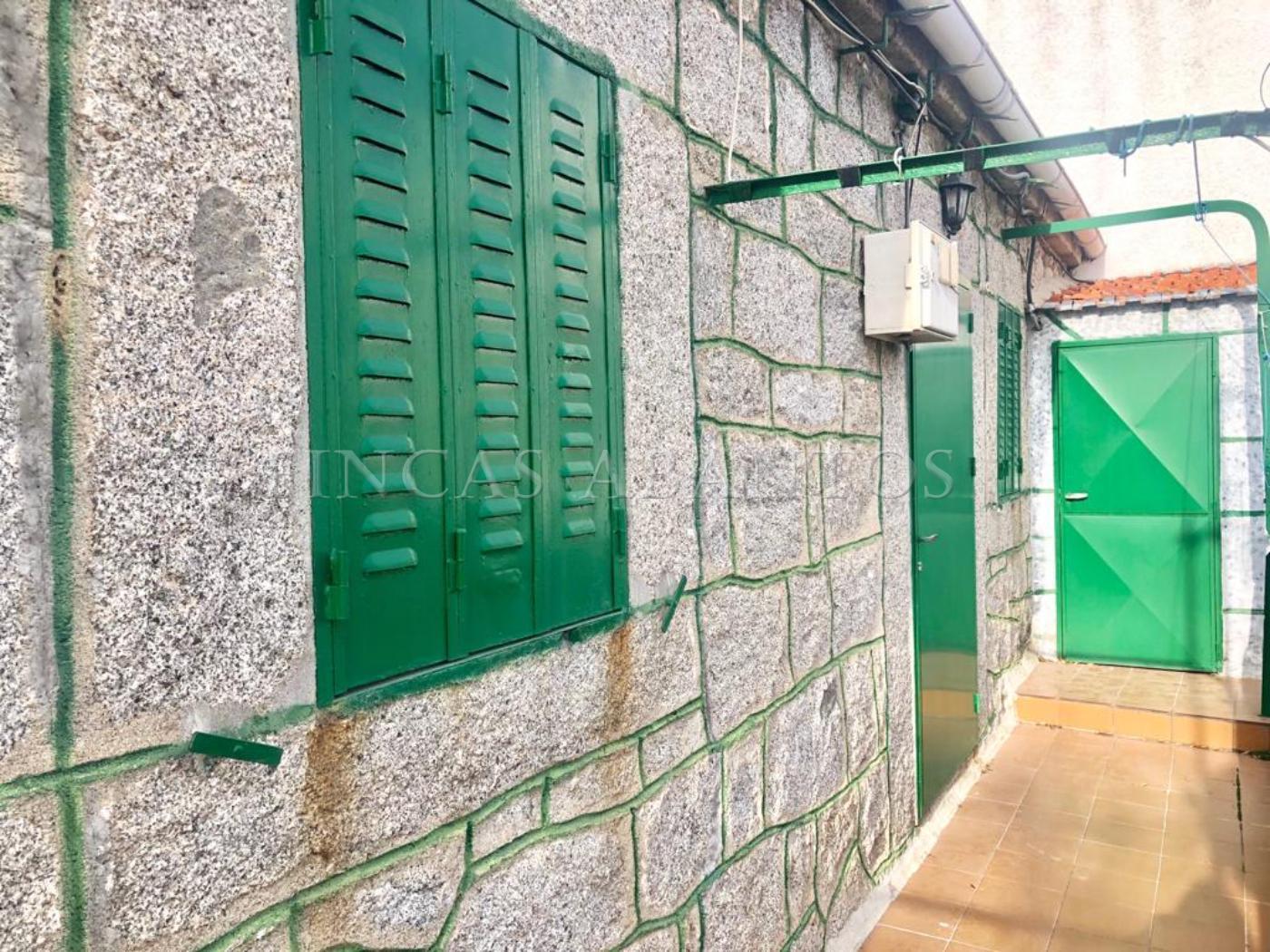 For sale of flat in Zarzalejo