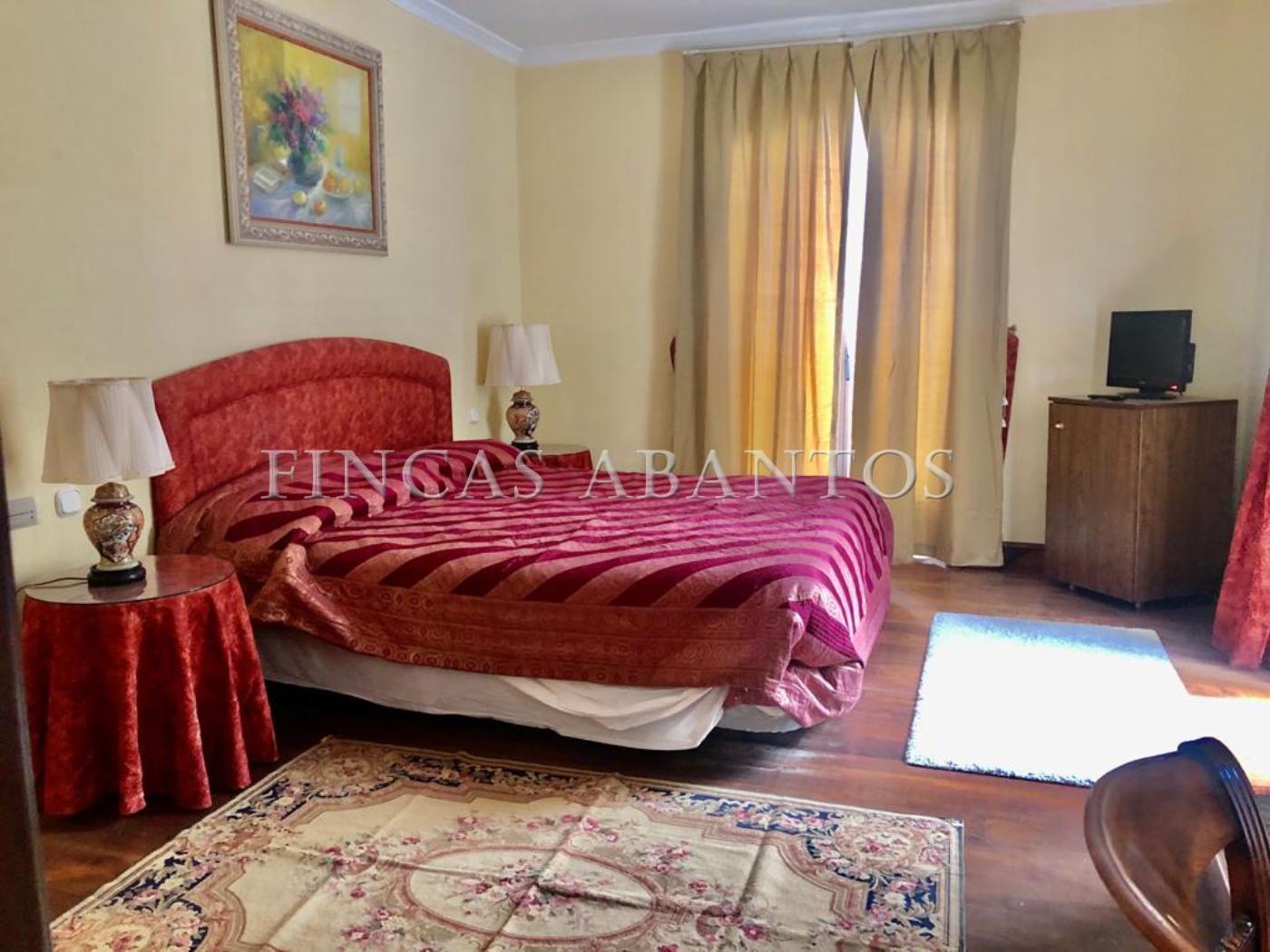 For sale of hotel in San Lorenzo de El Escorial