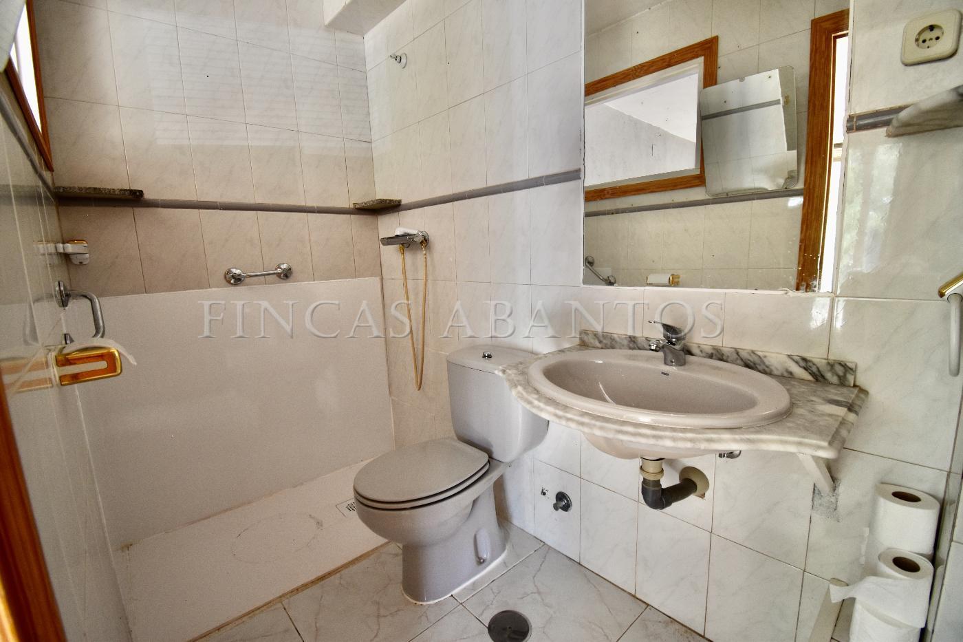 For sale of building in San Lorenzo de El Escorial