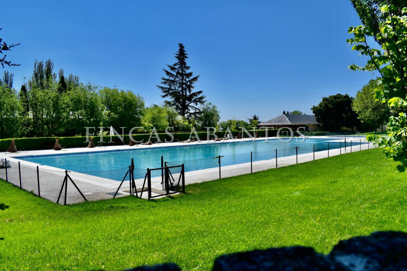 For sale of  in San Lorenzo de El Escorial