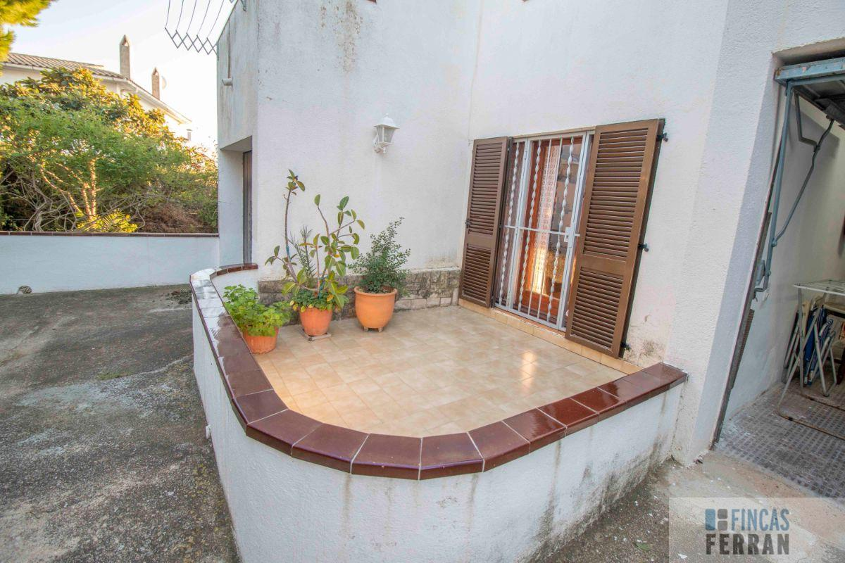 For sale of house in Coma - Ruga