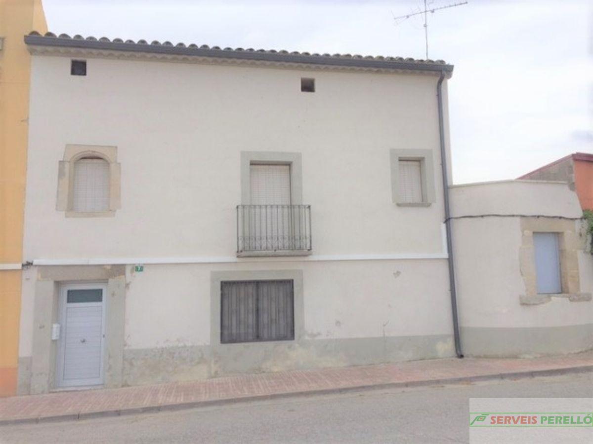 For sale of house in Vila-Sana