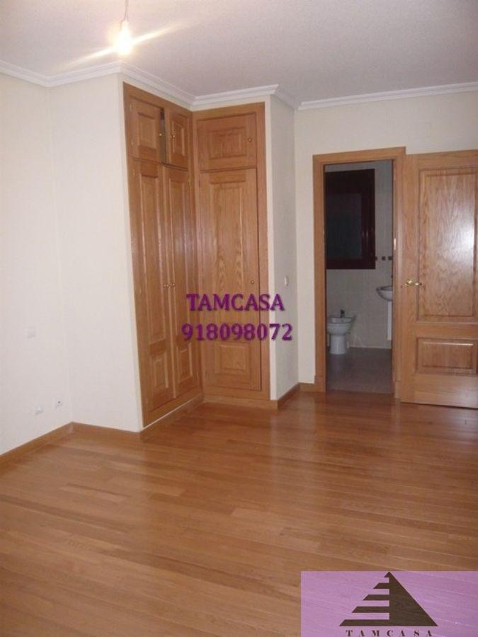 For rent of flat in Seseña