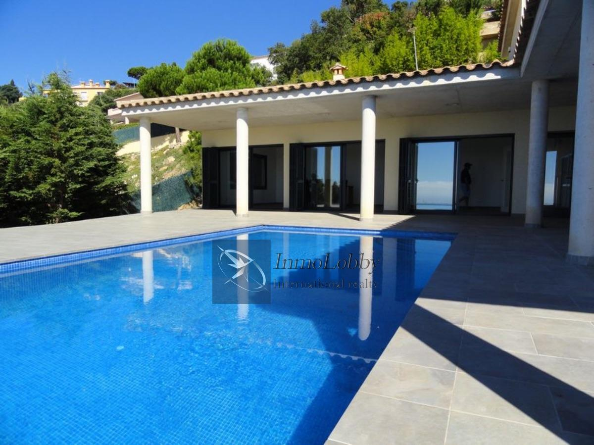 For sale of villa in Castell d´Aro