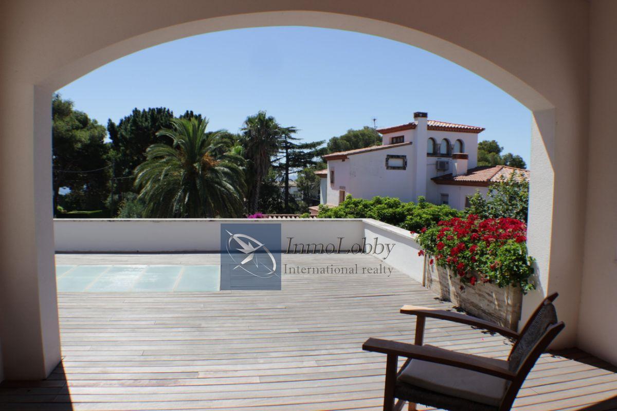 For sale of villa in S agaro